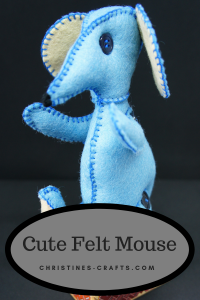 Review of the felt mouse pattern from House of Zandra.