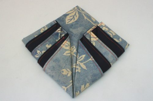Folded napkin arrowhead