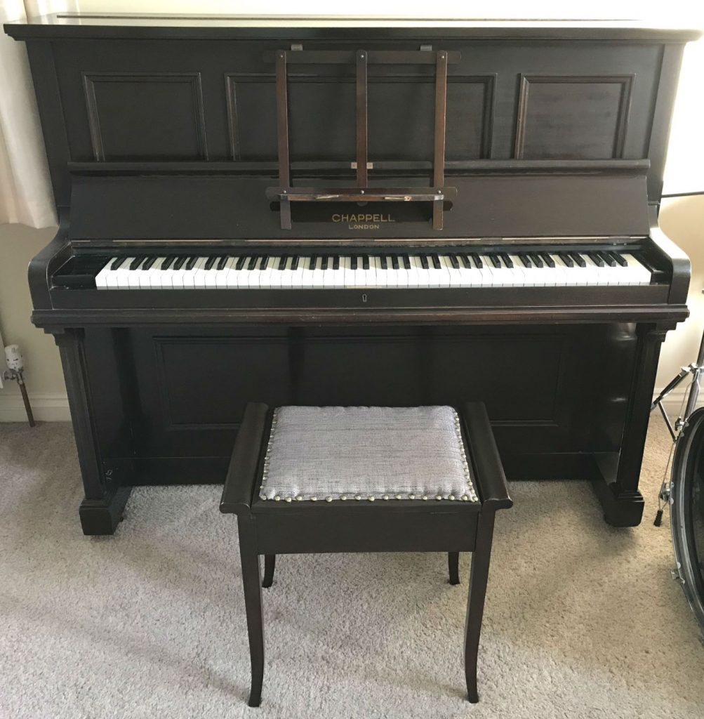 Completed piano stool makeover