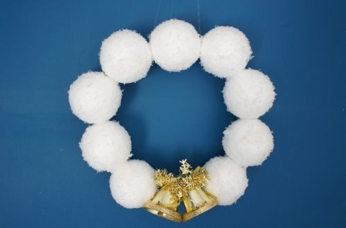 snowball wreath on blue background