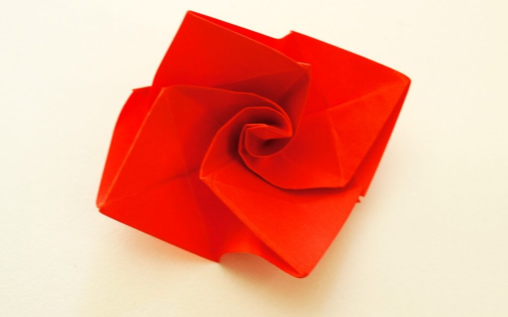 Origami Rose centre twisted
